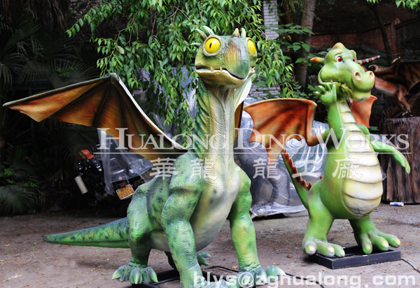 artificial animatronic dinosaur